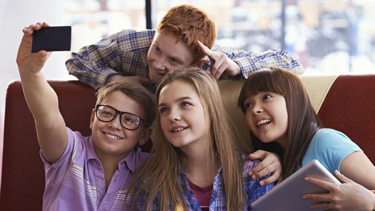 Teen pic forum